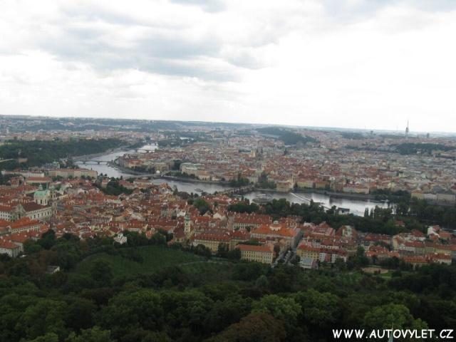 Praha z rozhledny Petřín
