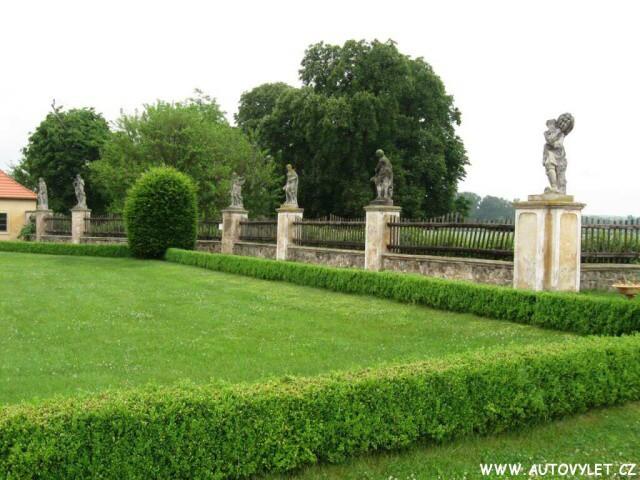 Státní zámek Veltrusy 17