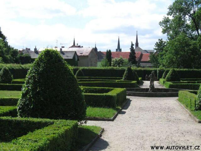 Zahrady zámku v Zákupech