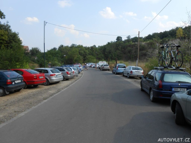 Lom Mikulov parkování