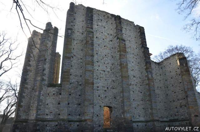 Gotický chrám Panenský Týnec 11
