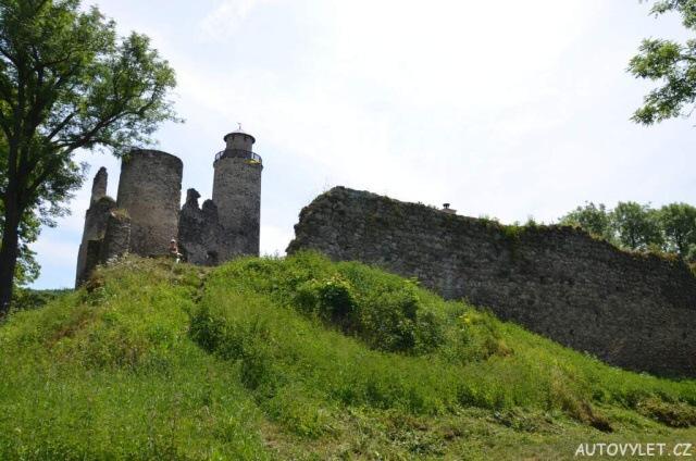 Zřícenina hradu Kostomlaty pod Milešovkou 5