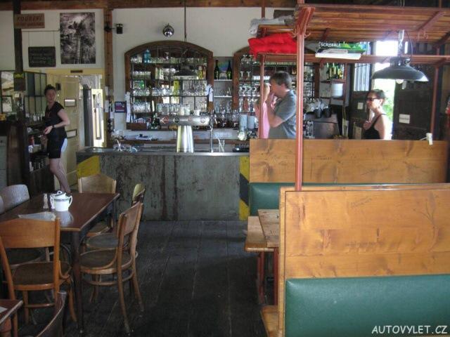 Zastávka Nižbor restaurace 8
