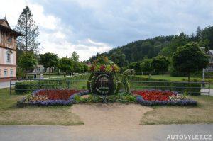 Konvička z květin v Luhačovicích