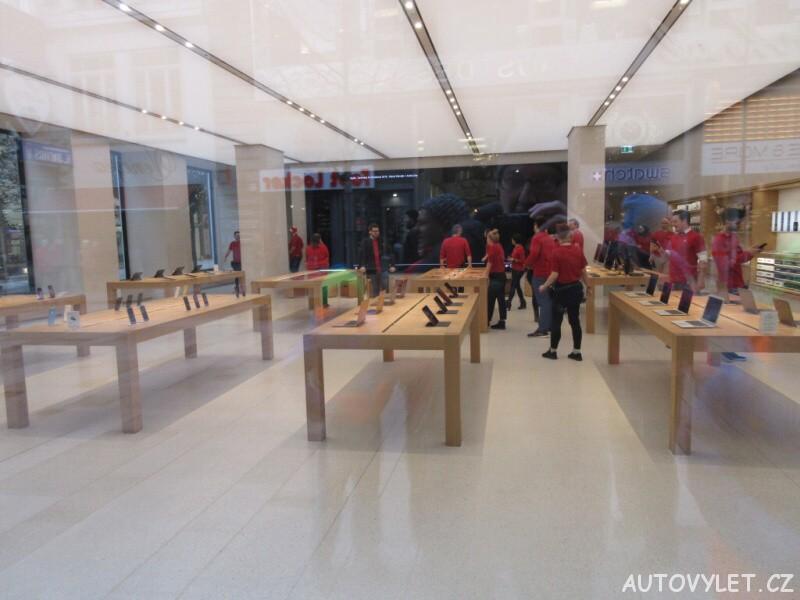 Apple Store uvnitř - Vídeň Rakousko