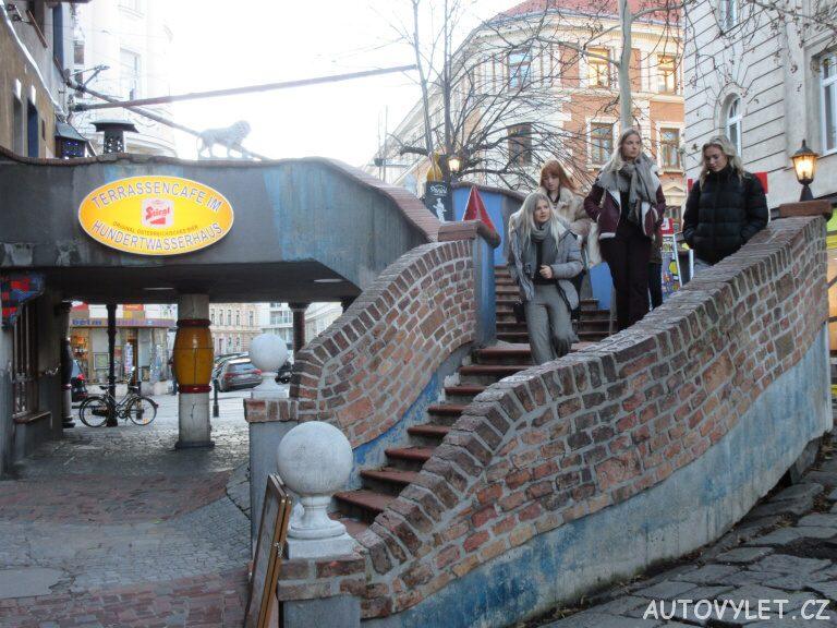 Hundertwasserhaus Wien - Schody na terasu