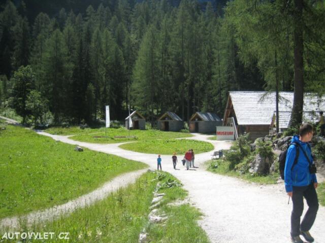 Hallstatt Rakousko - areál u přestupní stanice lanovky