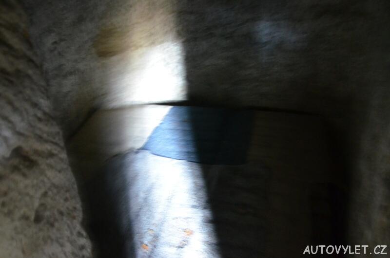 Rozbořenka jeskyně Kokořínsko 4