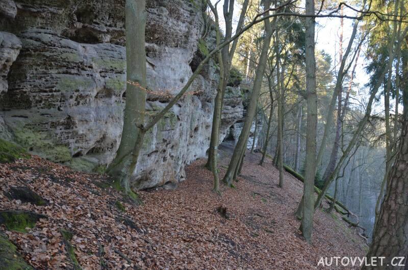 Skalní hrad Nedamy - jeskyně 6