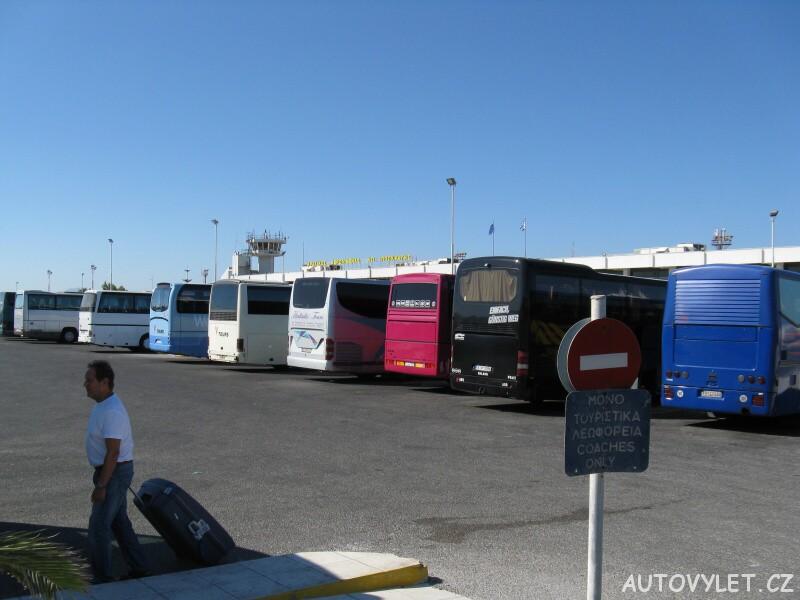 Autobusy na letišti - Kos Řecko
