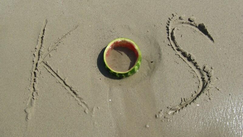 Řecko Kos nápis v písku