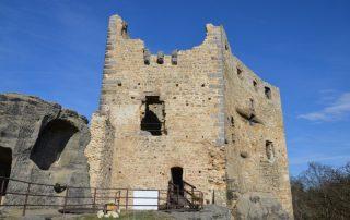 Valečov - zřícenina skalního hradu