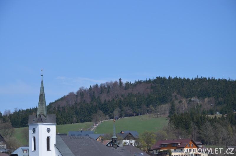 Příchovice - kostel a rozhledna Štěpánka