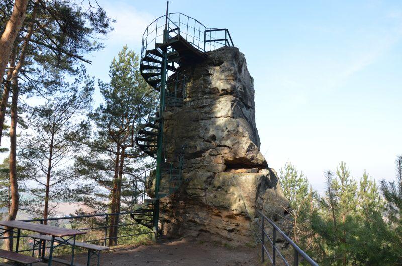 Rozhledna Hlavatice - skalní vyhlídka Turnov