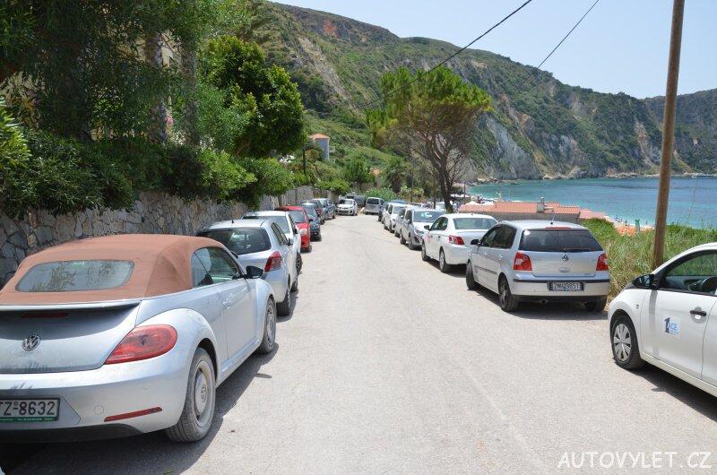 Pláž Petani - parkování
