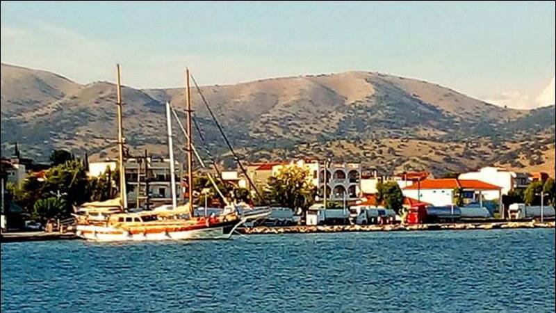 Pohled na přístav Astakos