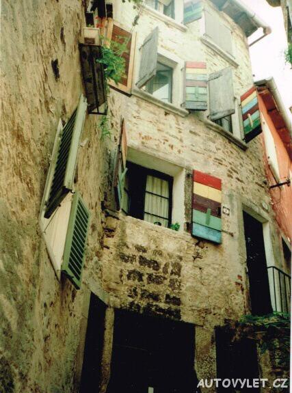 Rovinj Chorvatsko veselé okenice