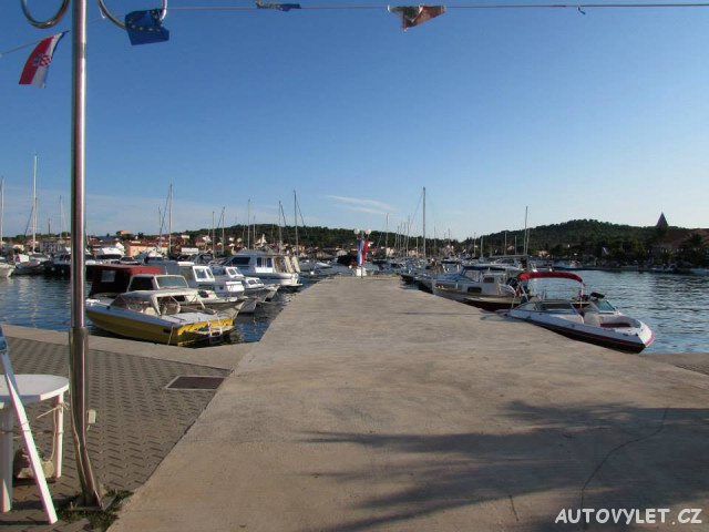 Ugljan Chorvatsko přístav