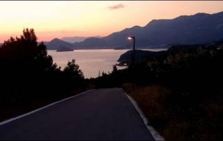 Západ slunce jižně od Dubrovníku v Chorvatsku