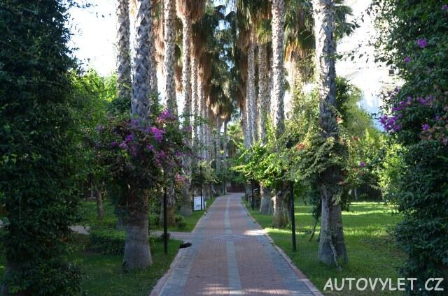 Cesta na pláž - Gardenia beach hotel Turecko
