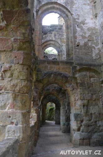 Křížová chodba - hrad Oybin