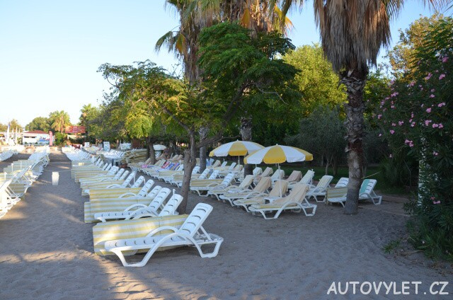 Lehátka na pláži - Gardenia beach hotel Turecko