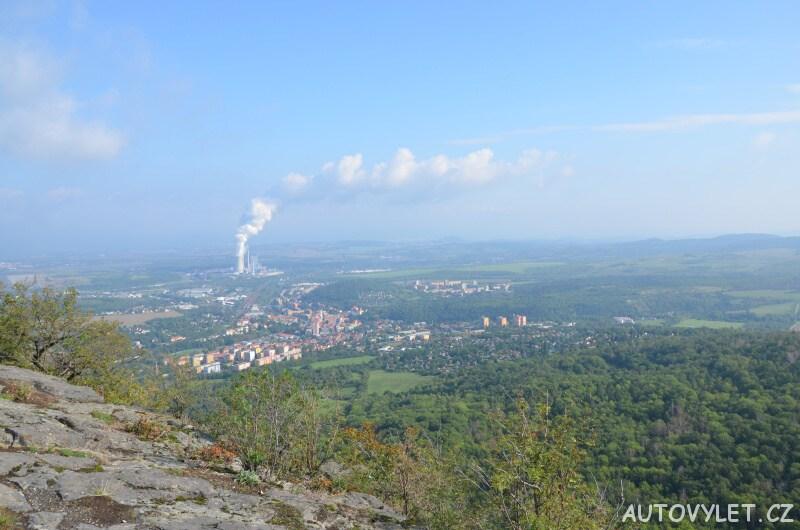 Město Bílina z kopce Bořeň