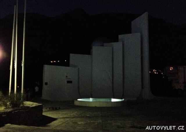 Památník revoluce - Makarska Chorvatsko