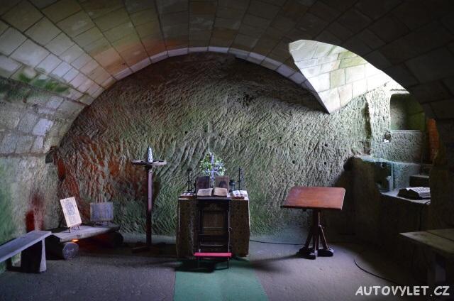 Sklep s valenými hradbami - Oybin