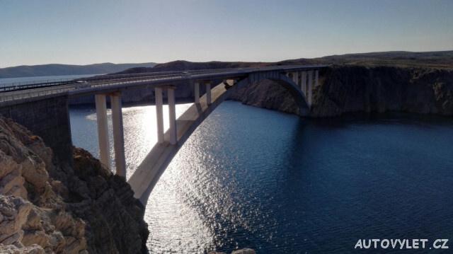 Most na ostrov Pag v Chorvatsku