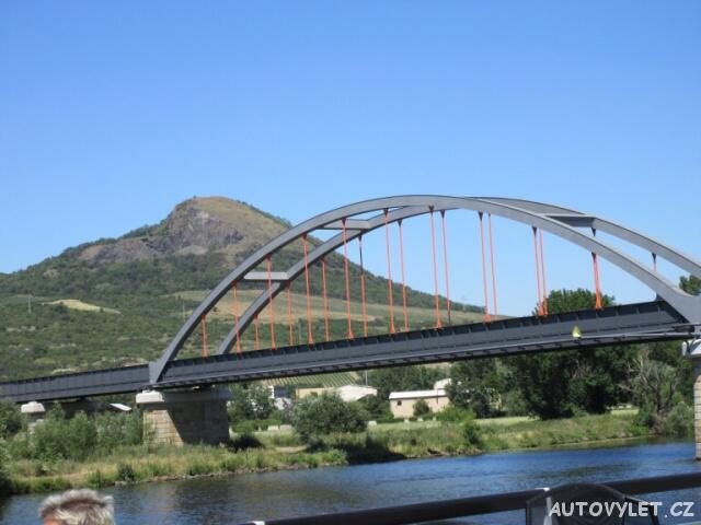 Železniční most a Radobýl