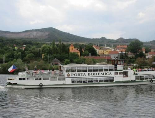 Výlet lodí z Litoměřic do Velkých Žernosek a Libochovan
