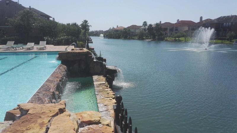 Bazén - první fotka