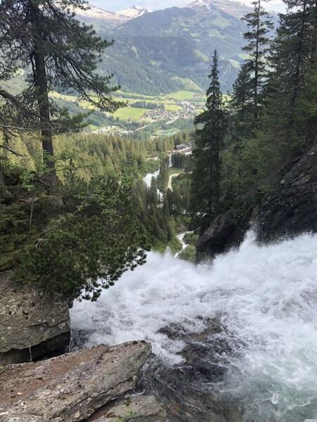 Kaskáda Krimmelských vodopádů v Rakousku