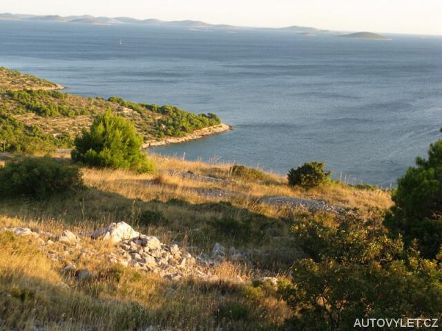 Výhled na ostrovy Kornati z kopce Raduč - Murter Chorvatsko