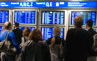 Informační tabule na letišti