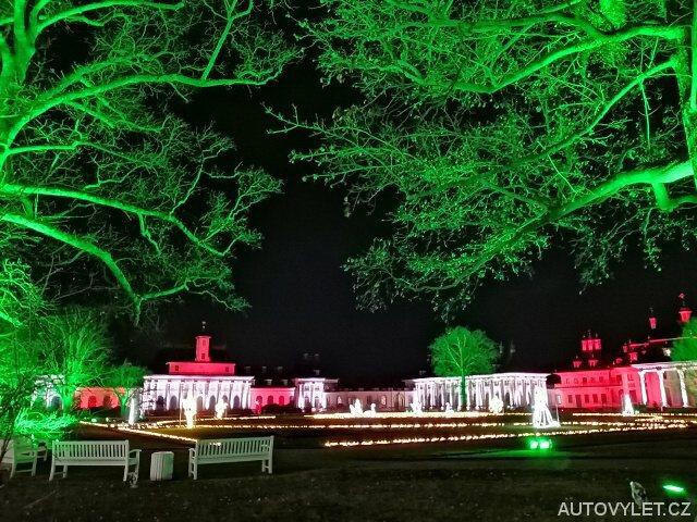 Zahrady zámku Pillnitz v Německu