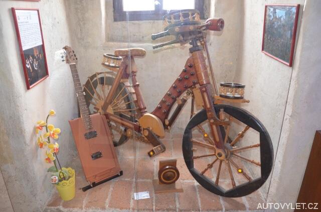 Dřevěné jízdní kolo