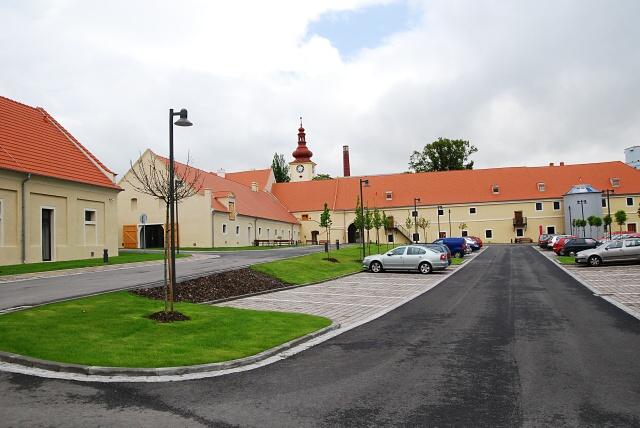 Parkování - Dobrovická muzea