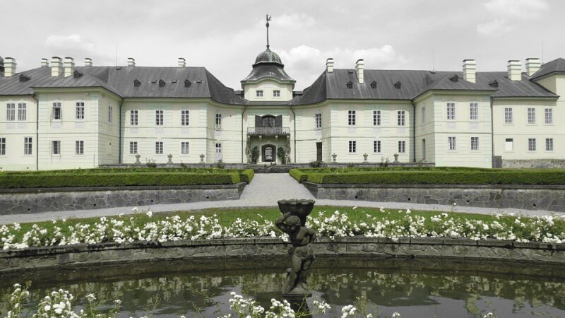 Manetín zámek