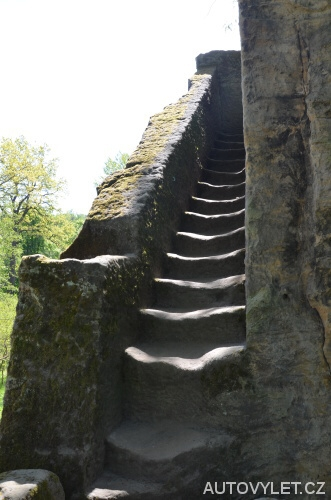 Skalní tvrz Jiljov - schody