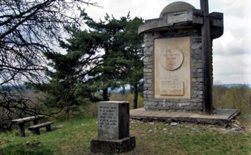 Máchův pomník - Olomučany