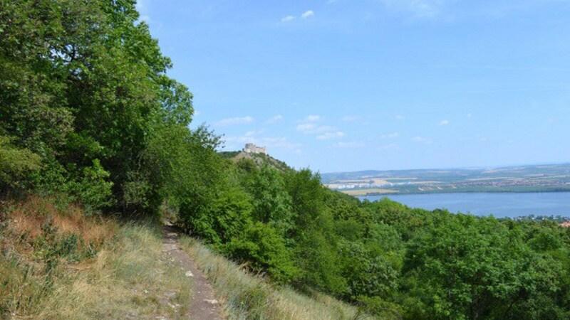 Dívčí hrad z turistické stezky