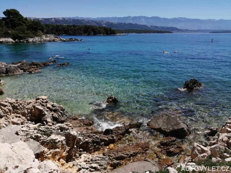 Moře v Chorvatsku - ostrov Rab - Banjol