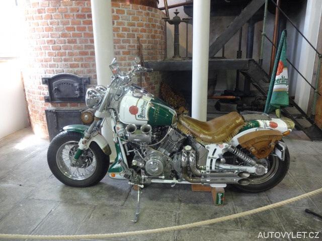 Motorka v muzeu plzeňského pivovaru