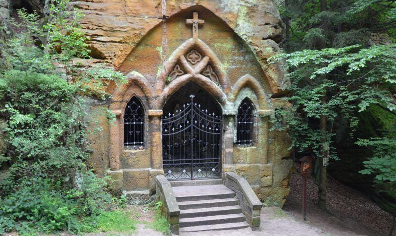 Skalní kaple - Modlivý důl Svojkov