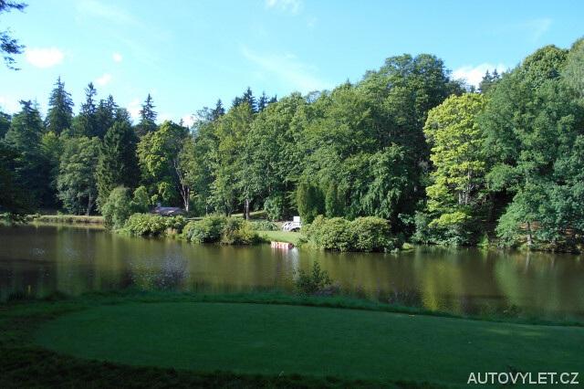 Zahradní rybník - Zámek Kynžvart