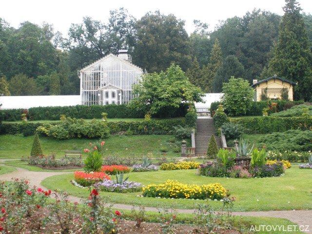 Zámek Konopiště - růžová zahrada