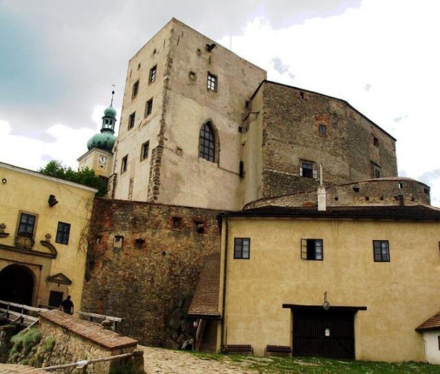 Zdi hradu Buchlov