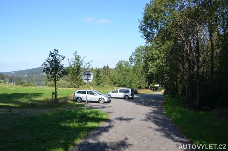 Rozhledna Slovanka parkování